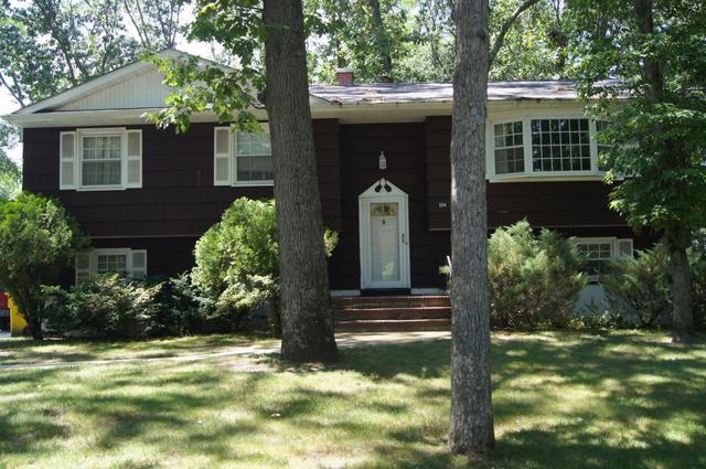 304 Miller Rd, Lakewood, NJ 08701
