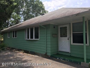 27 Mount Kisco Drive, Toms River, NJ 08753