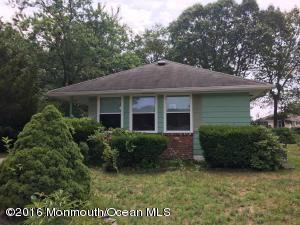 27 Mount Kisco Dr, Toms River, NJ 08753