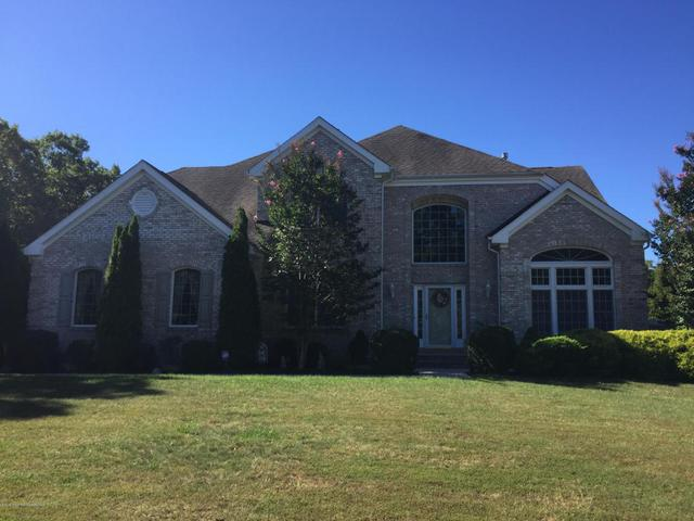 38 Popper St, Manahawkin, NJ 08050