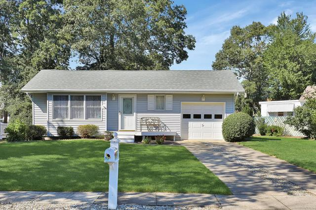 38 Russell St, Toms River, NJ 08753
