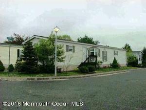 15 Secretariat St, Howell, NJ 07731