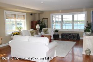 22 W Front St #302, Red Bank, NJ 07701