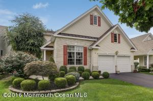 30 Chesapeake Dr, Holmdel, NJ 07733