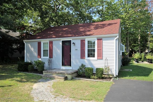 542 Gilford Ave, Toms River, NJ 08753