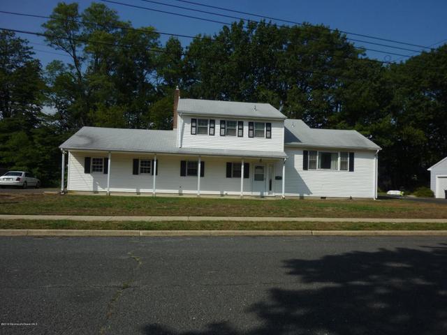 8 Raphael Pl, Middletown, NJ 07748