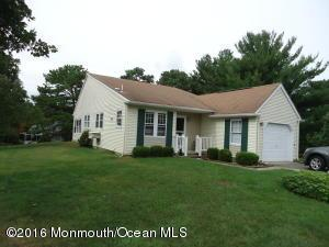 2 Plymouth Pl, Whiting, NJ 08759