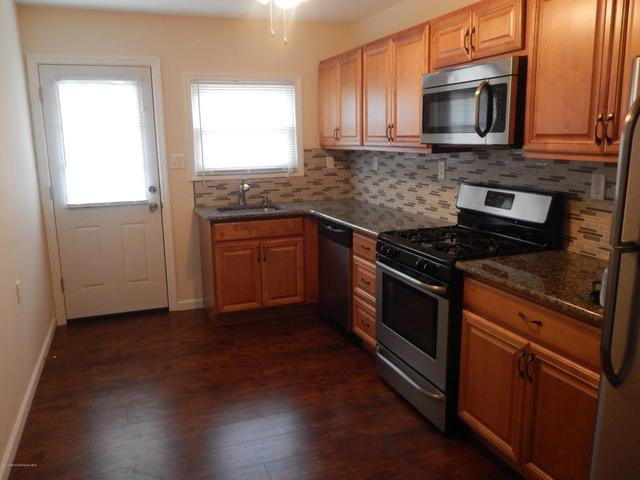 733 Jamaica Blvd, Toms River, NJ 08757