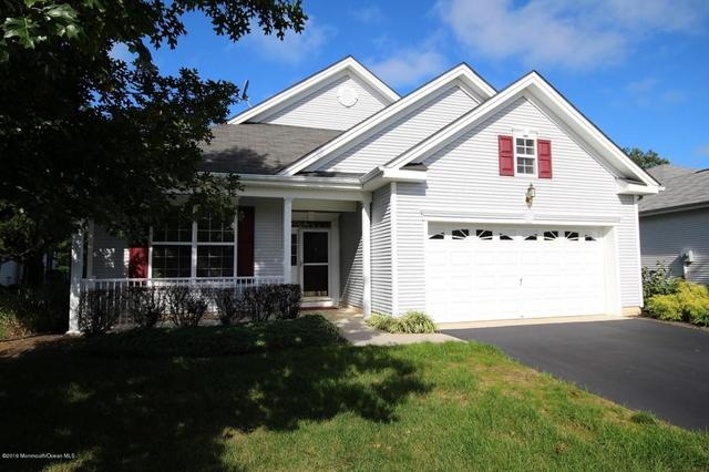 24 Pond View Cir, Barnegat, NJ 08005