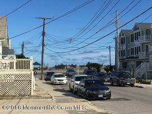 24 O Street, Seaside Park, NJ 08752