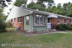10 Bennington Ln #A, Whiting, NJ 08759