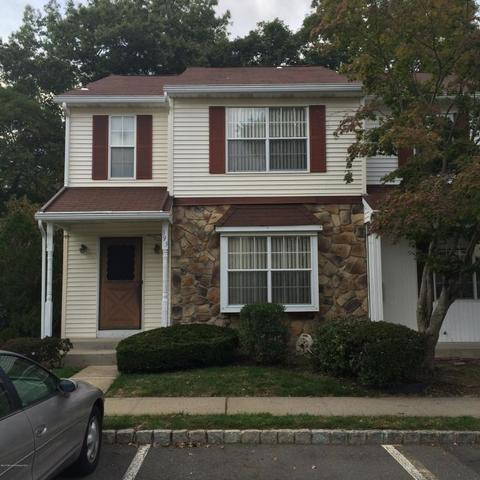 393 Rose Ct, Lakewood, NJ 08701
