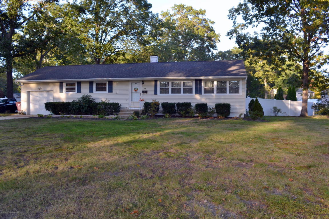 53 Chain Blvd, Bayville, NJ 08721