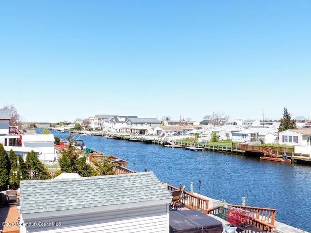 4 Potomac Dr, Little Egg Harbor, NJ 08087