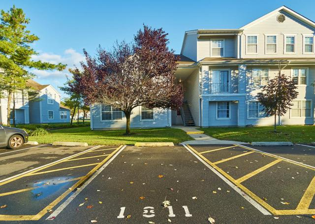 1811 Waters Edge Dr, Toms River, NJ 08753