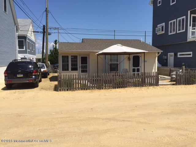 108 Dolphin Dr, Seaside Heights, NJ 08751
