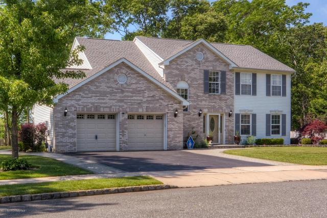 3 Glacier Dr, Howell, NJ 07731