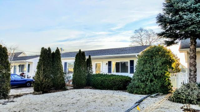 5 Commodore DrBrick, NJ 08723