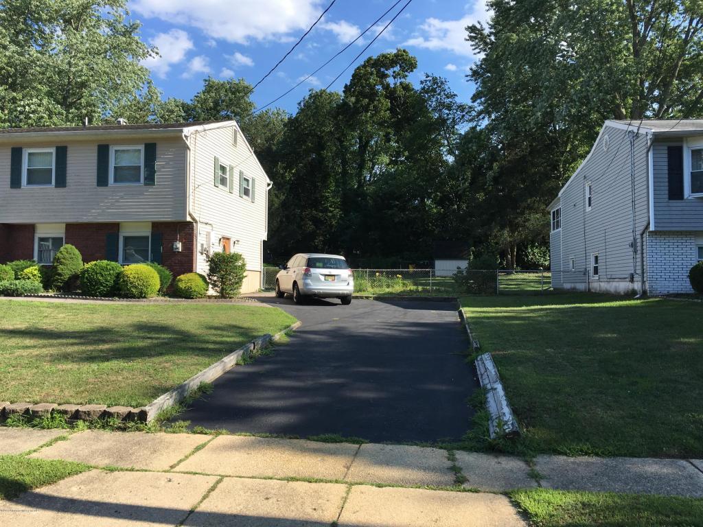 23 Andover Road, Jackson, NJ 08527