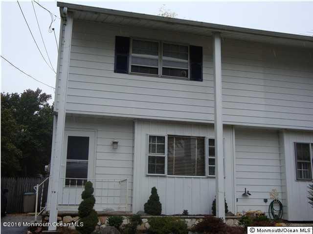 715 Oak St, Lakehurst, NJ 08733