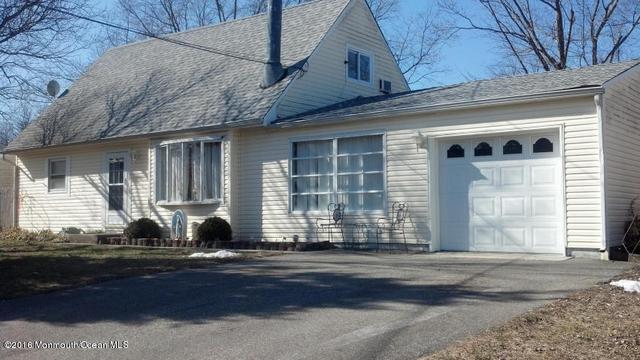 946 Mercer Dr, Toms River, NJ 08753