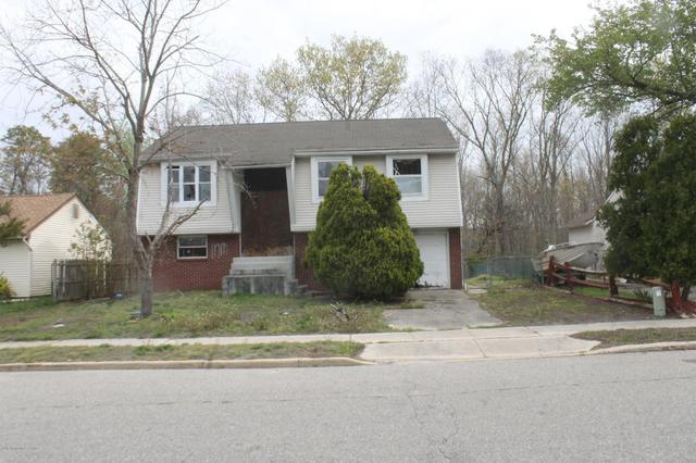 38 Starboard Ave, Barnegat, NJ 08005
