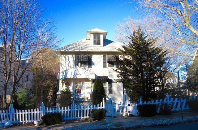 20 E Highland AveAtlantic Highlands, NJ 07716