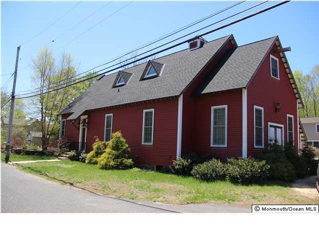 2 Hall St, Atlantic Highlands, NJ 07716