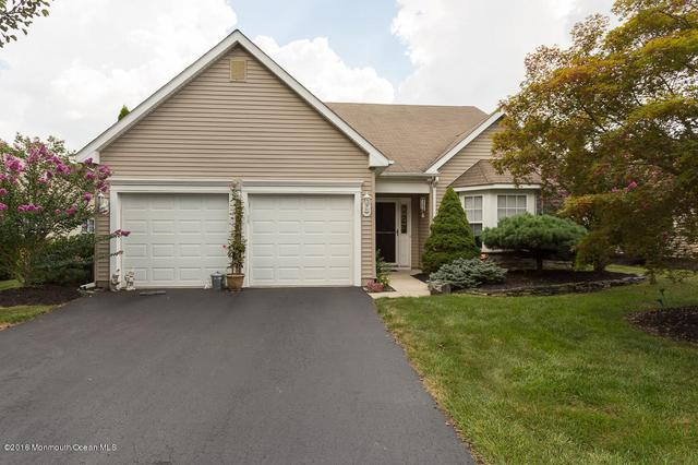 5 Wellington Ln, Lakewood, NJ 08701