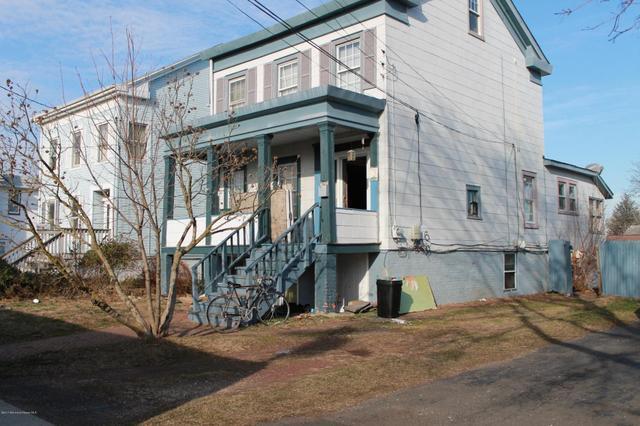 43 Atlantic St, Keyport, NJ 07735