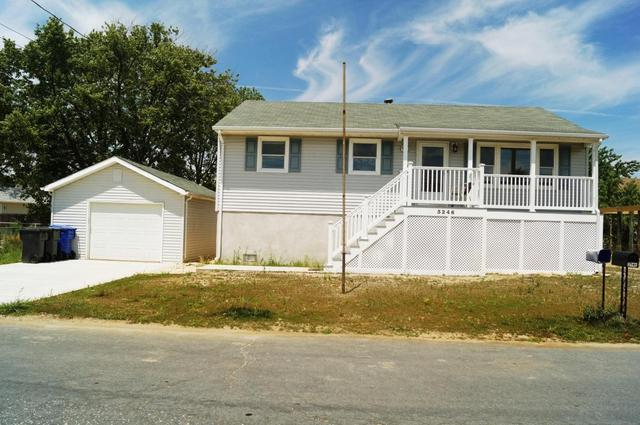 3246 Meadow St, Toms River, NJ 08753