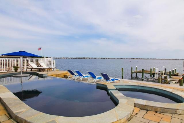 1860 Boat Point Dr, Point Pleasant, NJ 08742