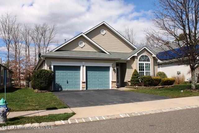 98 Enclave Blvd, Lakewood, NJ 08701