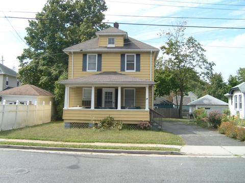 28 Clifford Pl, Red Bank, NJ 07701
