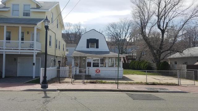 289 Bay Ave, Highlands, NJ 07732