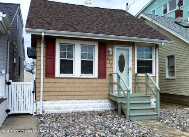 210 Dupont Ave, Seaside Heights, NJ 08751