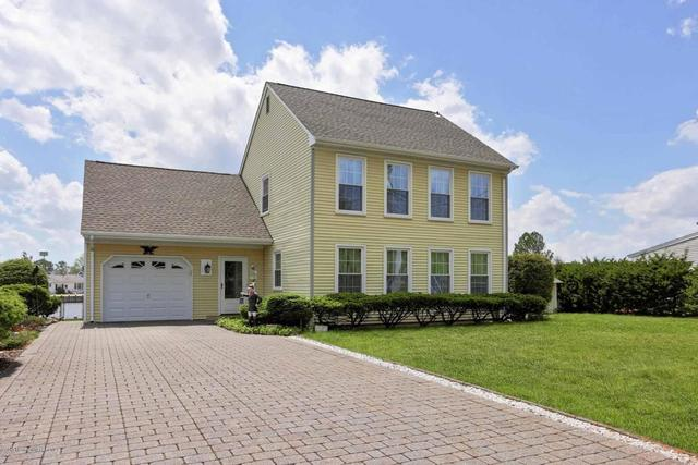 37 Parkers Point Blvd, Forked River, NJ 08731
