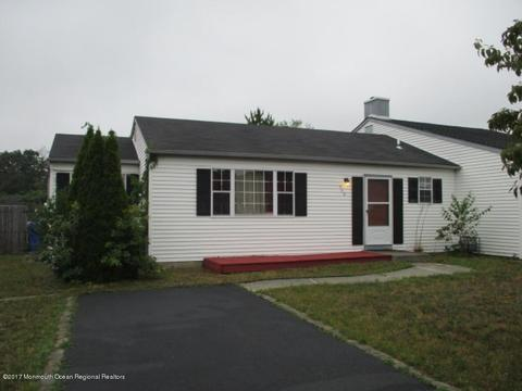 540 Constable Pl, Toms River, NJ 08753