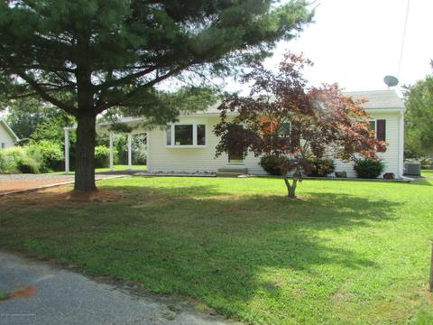 3 Clubhouse CirForked River, NJ 08731