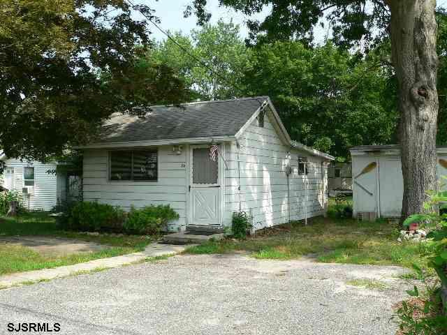 28 Pineview Ave, Egg Harbor Township, NJ 08234
