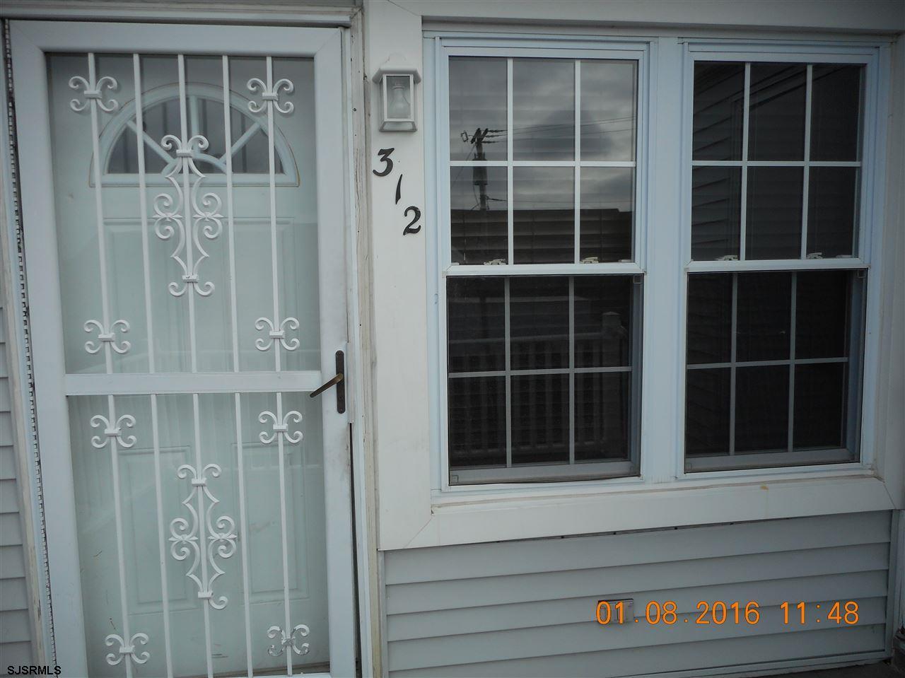 312 E London Court #312, Egg Harbor Township, NJ 08234