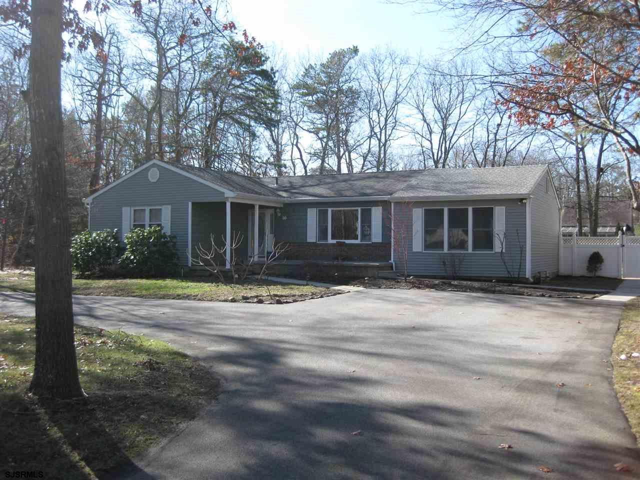 16 Upland Ave, Absecon, NJ