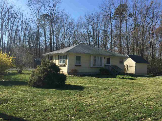 6610 Magnolia Rd, Millville, NJ 08332