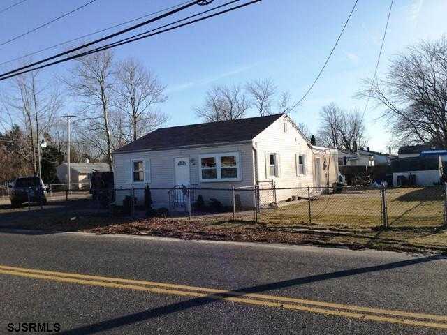 1043 N New Rd, Pleasantville NJ 08232