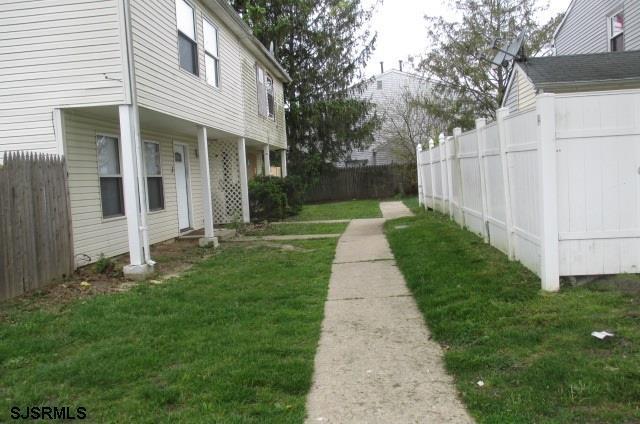 4 Longbow Ct Ct, Sicklerville NJ 08081