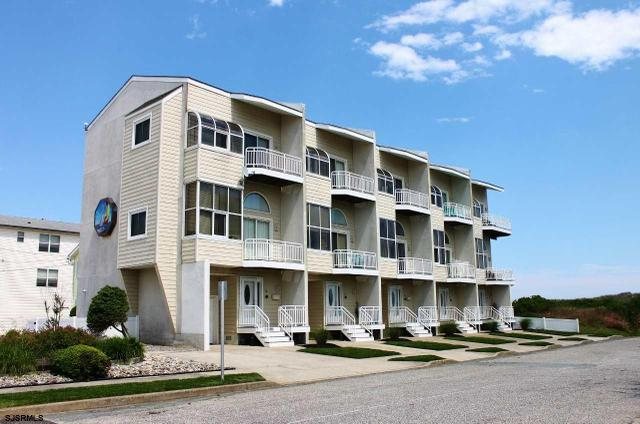 305 S 4th St #305, Brigantine, NJ 08203