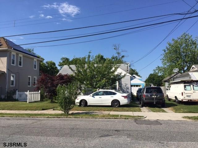 18 E Pacific Avenue, Pleasantville, NJ 08232