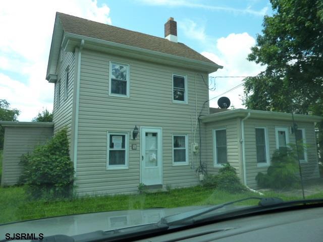 128 High St, Leesburg, NJ 08327