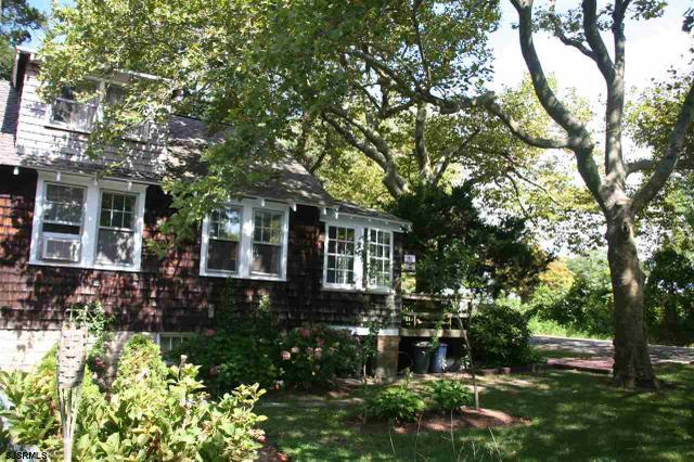 11 E Ocean Heights Ave, Linwood, NJ 08221
