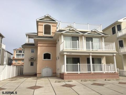 235 14th St N #A, Brigantine, NJ 08203